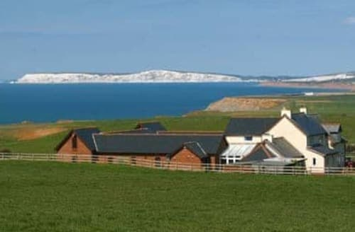 Last Minute Cottages - Purbeck View