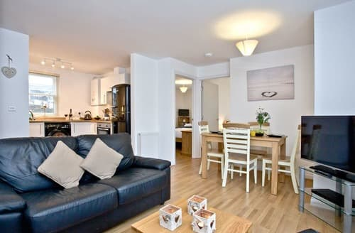 Last Minute Cottages - Lovely Brixham Apartment S135208