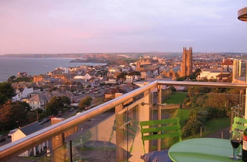 Last Minute Cottages - Adorable Newquay Apartment S135238