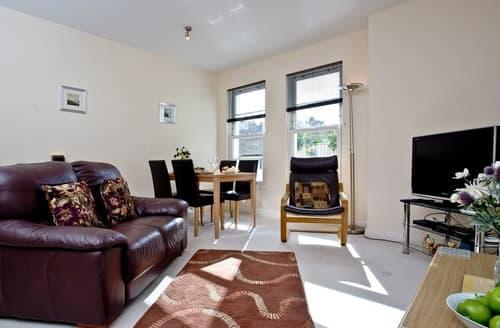 Last Minute Cottages - Superb Torquay Apartment S135242