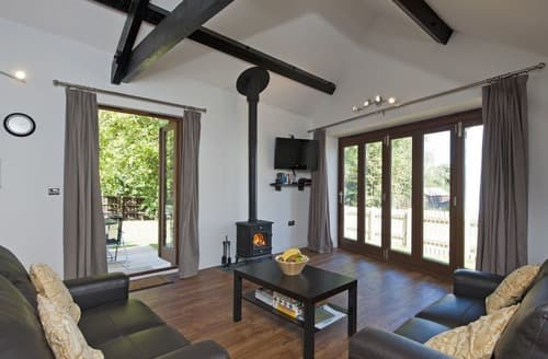 Last Minute Cottages - Lacewood Barn - Fernhill Farm