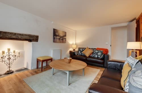 Last Minute Cottages - Beautiful Dartmouth Apartment S135263