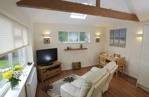 Last Minute Cottages - Exquisite Poole Apartment S135277