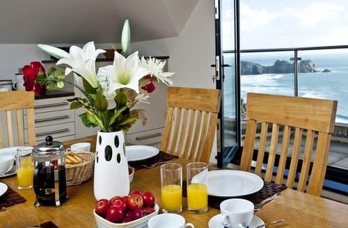 Last Minute Cottages - Wonderful Porthcurno Apartment S135292