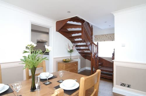 Last Minute Cottages - Inviting Wootton Bridge Cottage S135330