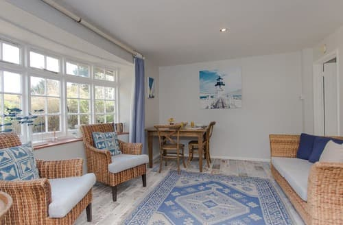 Last Minute Cottages - Cosy Shalfleet Cottage S135332