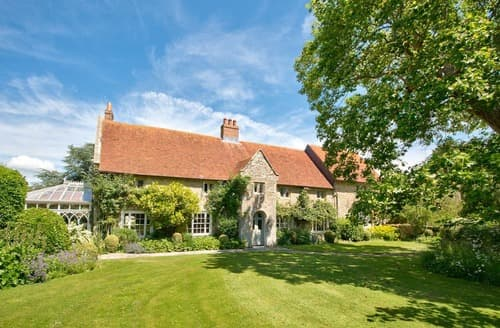 Last Minute Cottages - Shalfleet Manor And Cottage