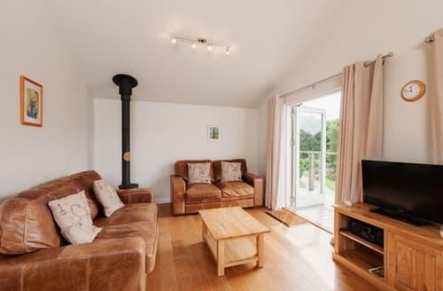 Last Minute Cottages - Luxury Lanreath Lodge S135346