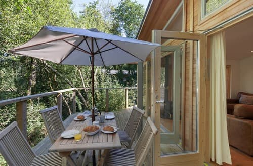 Last Minute Cottages - Captivating Lanreath Lodge S135360