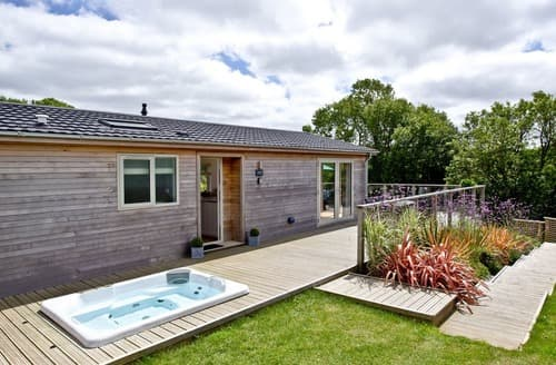 Last Minute Cottages - Attractive Lanreath Lodge S135365