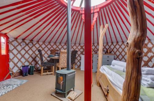 Last Minute Cottages - Barn Owl Yurt