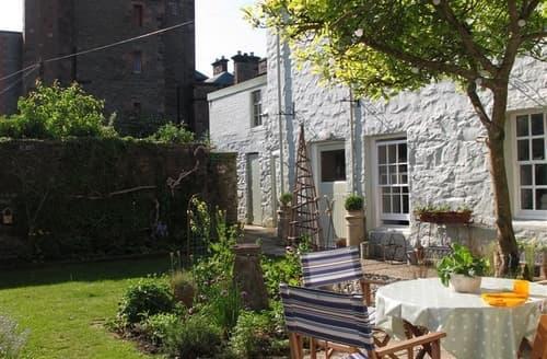 Last Minute Cottages - Quaint Kirkcudbright Apartment S135431