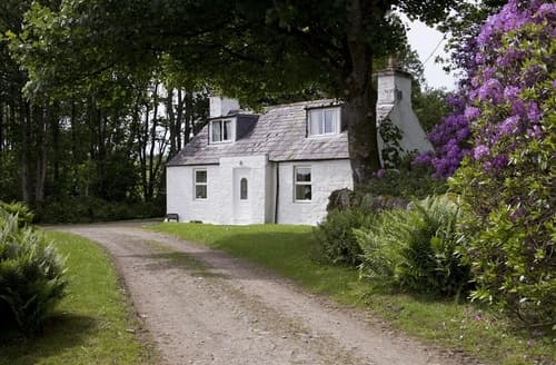 Last Minute Cottages - Merton Garden Cottage