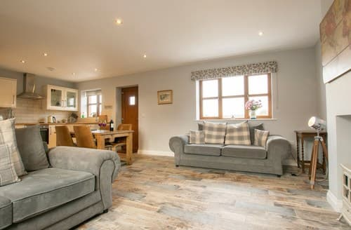 Last Minute Cottages - Lovely Malpas Cottage S136131