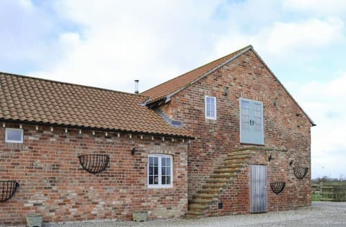 Last Minute Cottages - Attractive Holtby Cottage S136224