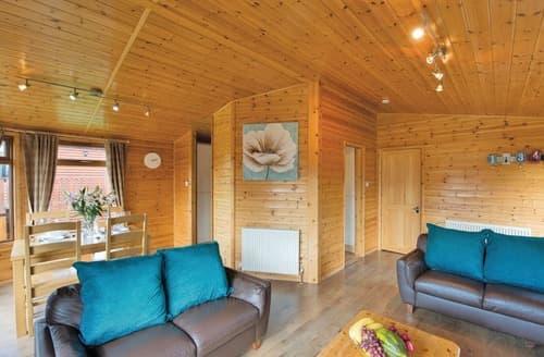 Last Minute Cottages - Superb Hopton Heath Lodge S136308