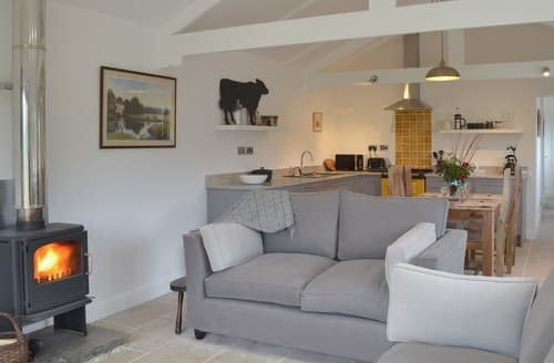 Last Minute Cottages - Wonderful Keevil Cottage S136324
