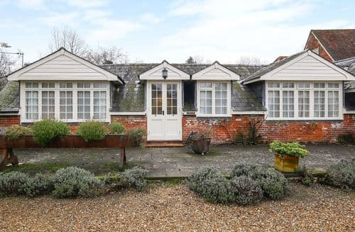 Last Minute Cottages - Quaint Romsey Cottage S136391