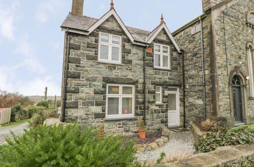 Last Minute Cottages - Stunning Dyffryn Ardudwy Cottage S136394
