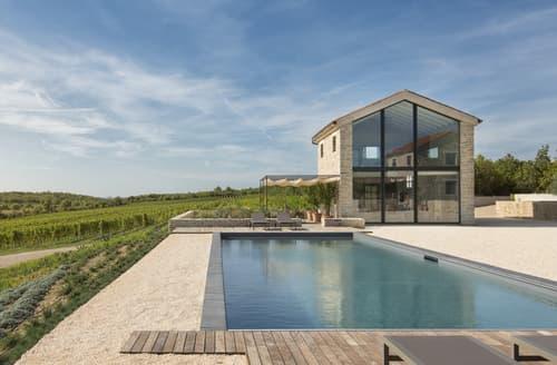 Last Minute Cottages - Villa Demetra