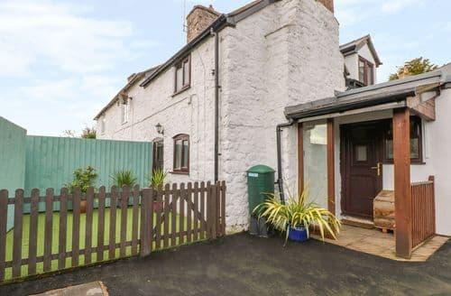 Last Minute Cottages - Adorable Trefonen Cottage S136522