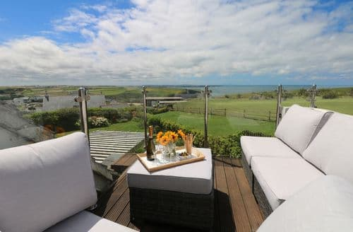 Last Minute Cottages - Luxury Mawgan Porth Cottage S136526