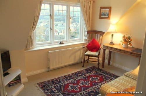 Last Minute Cottages - Luxury Minehead Apartment S136612