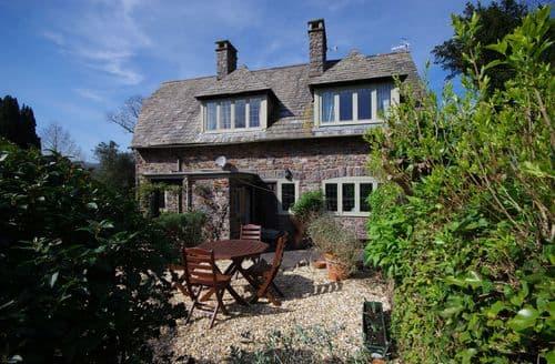 Last Minute Cottages - Gate Cottage, Allerford