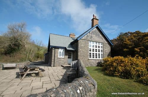 Last Minute Cottages - The School House, Countisbury