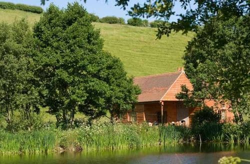 Big Cottages - The Fishing Lodge