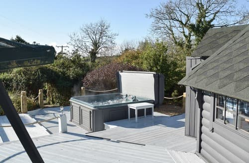 Last Minute Cottages - Charming Amroth Cottage S136868
