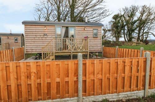 Last Minute Cottages - Cassie's Shepherd's Hut