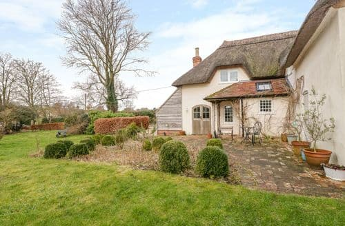 Last Minute Cottages - Apple Tree Cottage