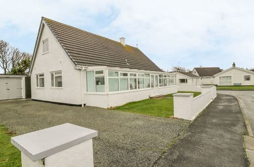 Last Minute Cottages - Ty Taid