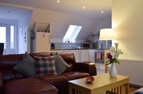 Last Minute Cottages - Tasteful Stirling Apartment S137111