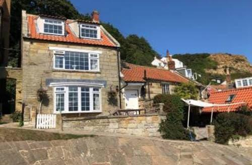 Last Minute Cottages - Fuchsia Cottage, Runswick Bay