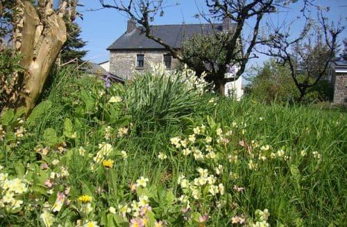 Last Minute Cottages - Gorslwyd Sound Healing Retreat Centre
