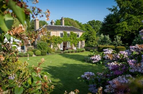 Last Minute Cottages - Vicarage House