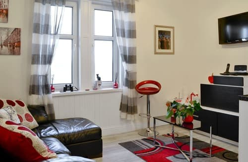 Last Minute Cottages - Luxury Blackness Apartment S137312