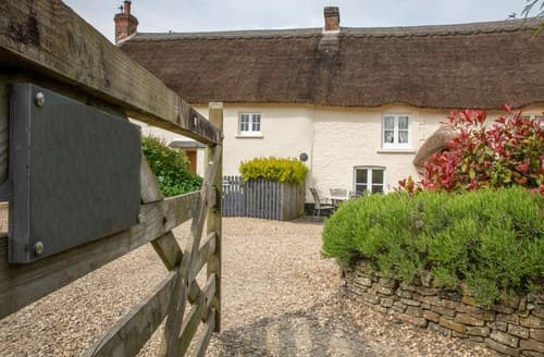 Last Minute Cottages - Beautiful Umberleigh Cottage S137324