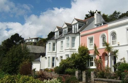 Last Minute Cottages - Tasteful South Cornwall Apartment S26438