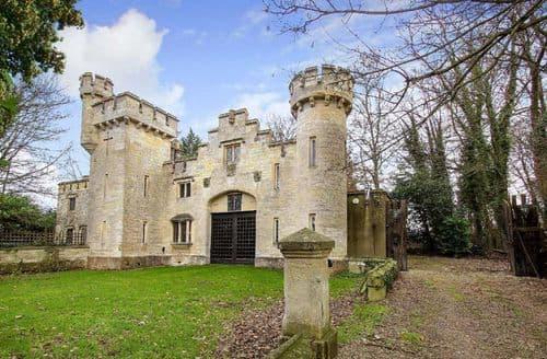 Last Minute Cottages - Longs Park Castle