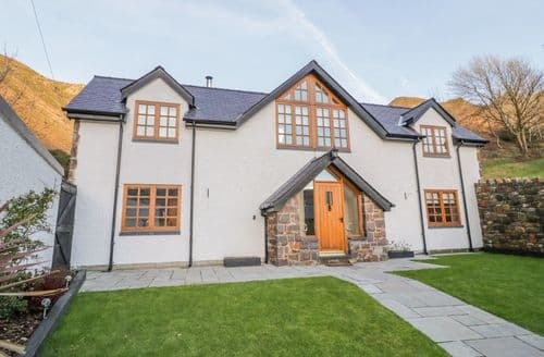Last Minute Cottages - Bwthyn Carregwen