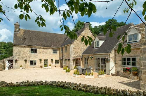 Dog Friendly Cottages - Cotswold Valley Manor