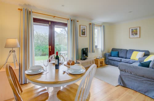 Last Minute Cottages - Lovely Falmouth Lodge S137566