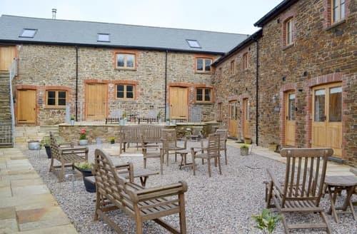 Last Minute Cottages - Cosy Galmpton Cottage S137710