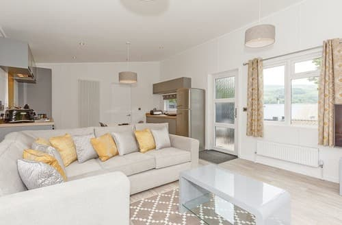 Last Minute Cottages - Gorgeous Aysgarth Lodge S137728