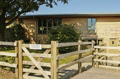Last Minute Cottages - Oak Apple