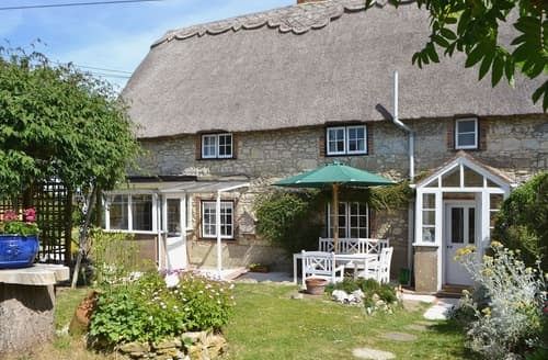 Big Cottages - Lovely Freshwater Cottage S14240