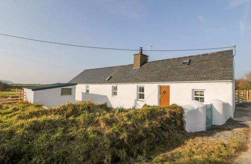 Last Minute Cottages - Ty'n Lon Bodferin